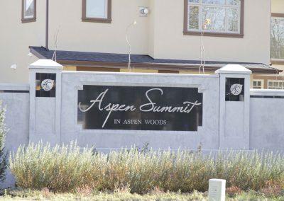 Aspen Summit in Aspen Woods community fence